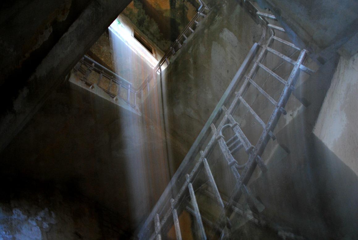 verloren im Treppenhaus