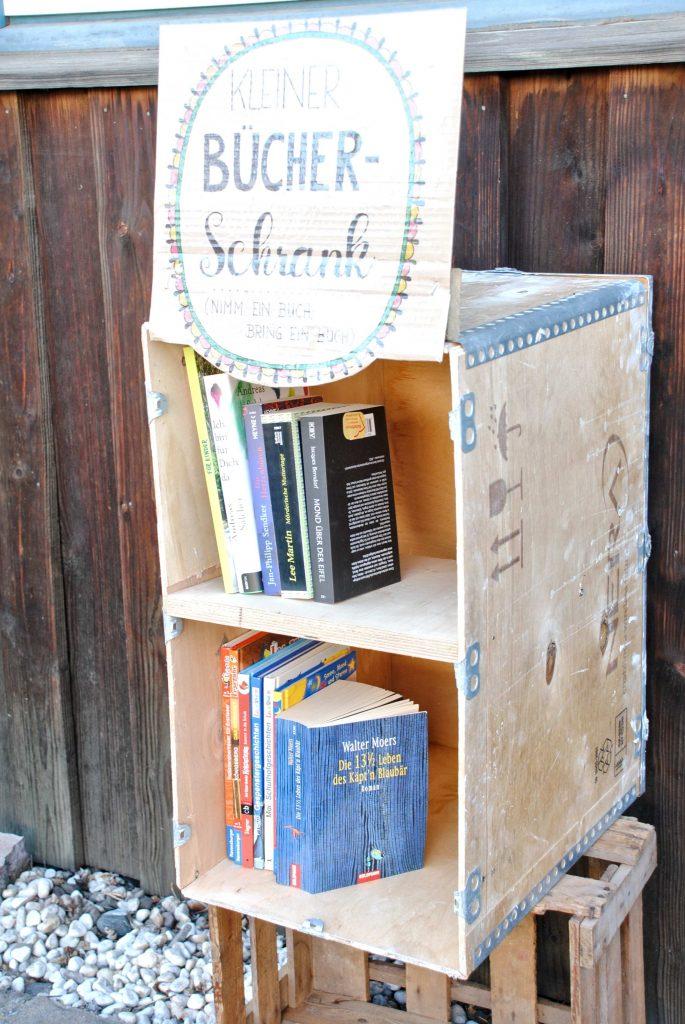 Bücherschrank DIY