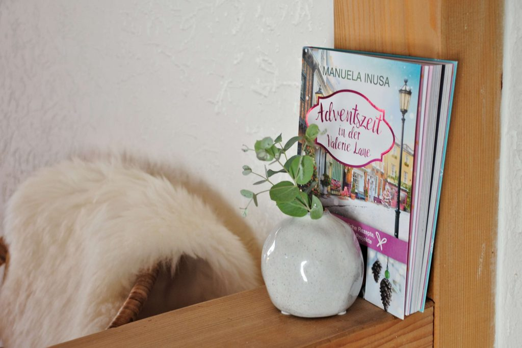 Holzhaus Buch Adventszeit