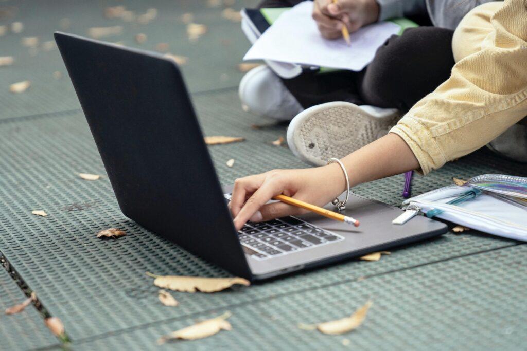 Lernplattformen und Lernseiten für Kinder